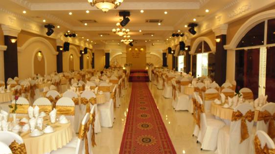 Đèn sân khấu đám cưới, đèn sân khấu nhà hàng tiệc cưới